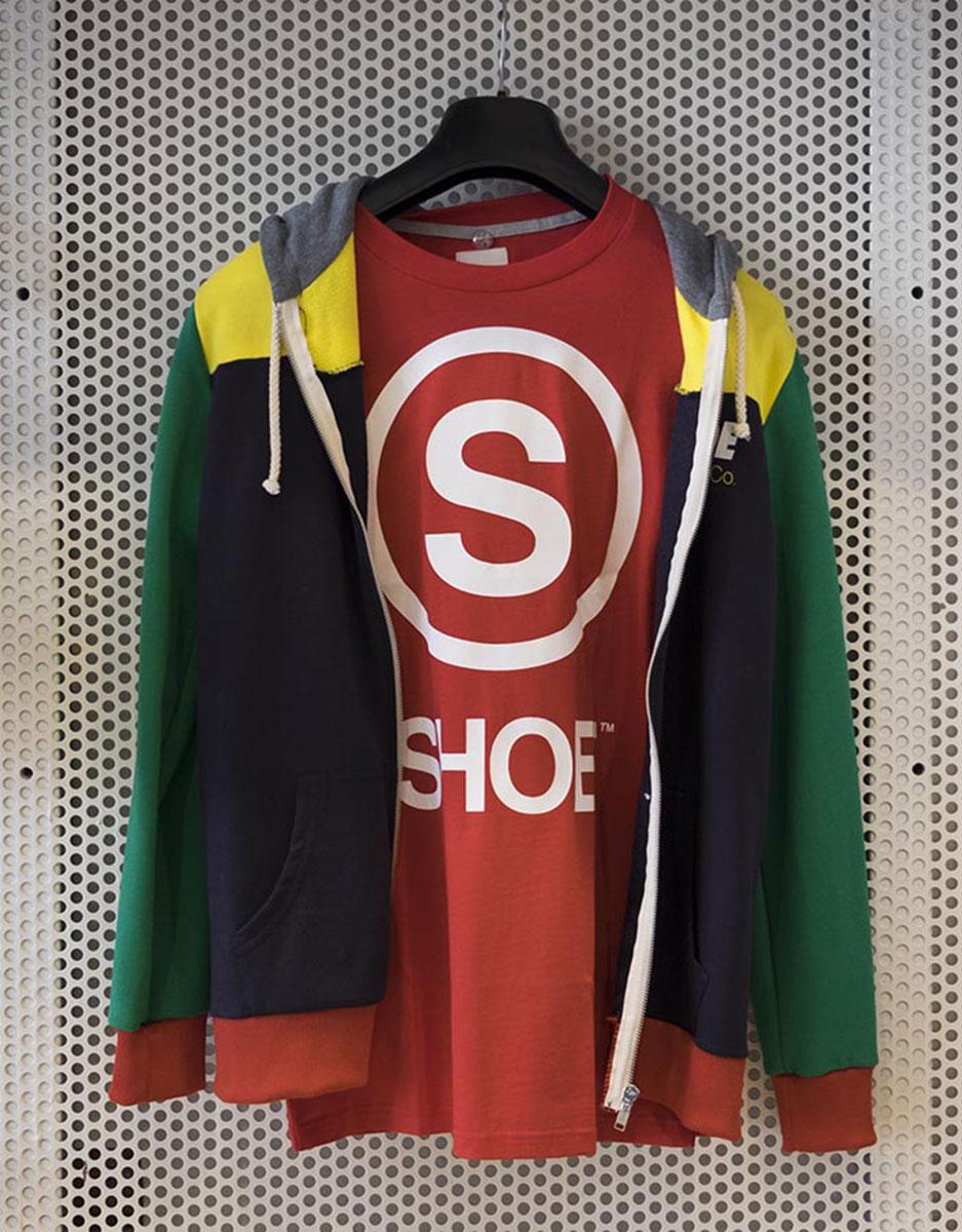 Felpa multicolor + T-shirt Shoeshine