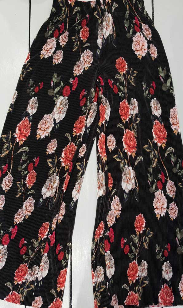 Pantalone plissé Only aisha nero e fiori